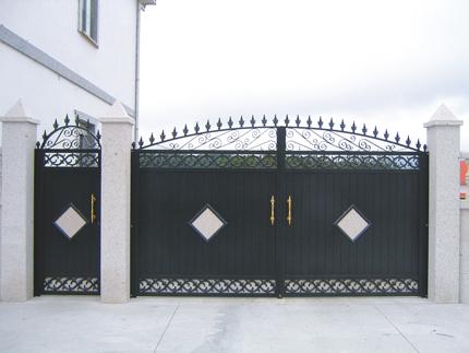 Puerta de aluminio Batientes